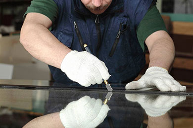 glazing specialist cutting glass to size